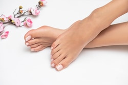 perfectly-done-french-pedicure-on-250nw-1451766242
